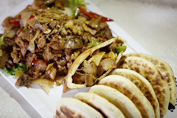 吴堡旅游-空心饼夹肉